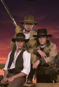 """The Young Riders""Travis Fine, Stephen Baldwin, Josh Brolin1989 © 1989 Mario Casilli - Image 16837_0011"