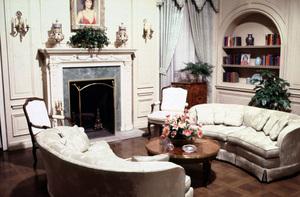 """Dynasty""Set Interiorscirca 1984 © 1984 Bud Gray - Image 1684_0013"