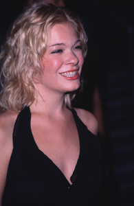 """""""Young Hollywood Awards - 2nd Annual,""""Leann Rimes.  6/01/00. © 2000 Scott Weiner - Image 16887_0010"""