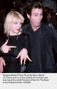 """""""Man On The Moon"""" Premiere,Courtney Love and Jim Carrey.12/20/99. © 1999 Glenn Weiner - Image 16909_0106"""