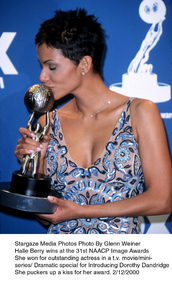 """""""NAACP Image Awards - 31st,""""Halle Berry.  2/12/00. © 2000 Glenn Weiner - Image 16983_0103"""