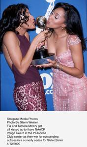 """NAACP Image Awards - 31st,""Tia and Tamera Mowry.  2/12/00. © 2000 Glenn Weiner - Image 16983_0108"