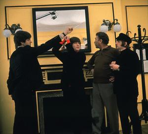 """""""Help!"""" Paul McCartney, John Lennon, Frankie Howerd, Ringo Starr1965 United ArtistsPhoto by David Hurn** I.V. - Image 17132_0003"""