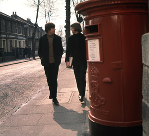 """Help!""John Lennon and Ringo Starr.1965/UAPhoto by David Hurn/**I.V. - Image 17132_0009"