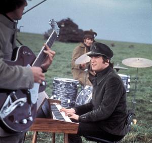 """Help!""George Harrison, Ringo Starr, John Lennon1965 United Artists** I.V. - Image 17132_0017"