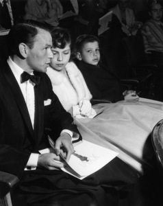 """The 26th Annual Academy Awards"" Frank Sinatra, Nancy Sinatra, Frank Sinatra Jr. 1954 ** I.V."