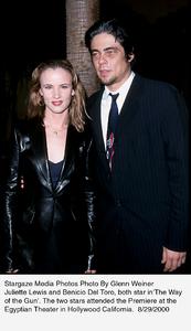 """""""Way Of The Gun, The"""" Premiere.8/29/00.  Juliette Lewis and Benicio Del Toro. © 2000 Glenn Weiner - Image 17182_0104"""