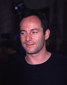 """""""This Is Spinal Tap"""" Premiere (Re-release).9/5/00.  Jason Isaacs. © 2000 Glenn Weiner - Image 17198_0005"""