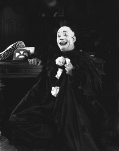 """""""He Who Gets Slapped""""Lon Chaney1924 MGM**I.V. - Image 17207_0002"""