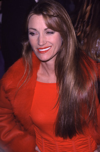 """""""Bedazzled"""" Premiere.Jane Seymour.  10/17/00. © 2000 Glenn Weiner - Image 17264_0009"""
