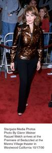 """""""Bedazzled"""" Premiere.Raquel Welch.  10/17/00. © 2000 Glenn Weiner - Image 17264_0100"""