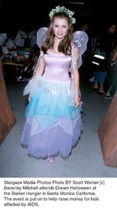 Beverley MitchellDream Halloween 2000, 10/29/00. © 2000 Scott Weiner - Image 17275_0100