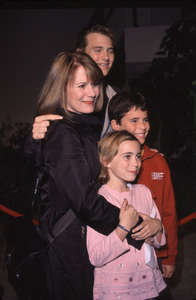 "Patricia Richardson and kids""Joseph: King Of Dreams"" Premiere, 10/30/00. © 2000 Glenn Weiner - Image 17278_0006"