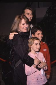 "Patricia Richardson and kids""Joseph: King Of Dreams"" Premiere, 10/30/00. © 2000 Glenn Weiner - Image 17278_0006"