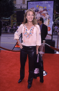 "Jane Seymour""Rugrats In Paris: The Movie"" Premiere, 11/5/00. © 2000 Cindy Davis - Image 17290_0003"
