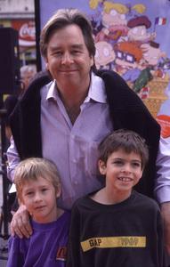 "Beau Bridges and kids Zeke & Jackson""Rugrats In Paris: The Movie"" Premiere, 11/5/00. © 2000 Scott Weiner - Image 17290_0007"