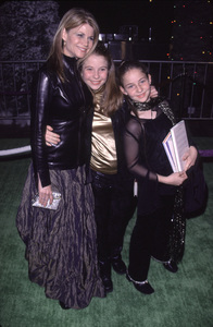 """Markie Post and her kids.""""How The Grinch Stole Christmas"""" Premiere, 11/8/00. © 2000 Glenn Weiner - Image 17300_0002"""