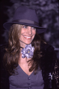 """Hilary Shepard""""How The Grinch Stole Christmas"""" Premiere, 11/8/00. © 2000 Glenn Weiner - Image 17300_0006"""
