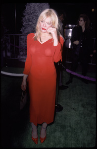 """Courtney Love""""How The Grinch Stole Christmas"""" Premiere, 11/8/00. © 2000 Glenn Weiner - Image 17300_0031"""