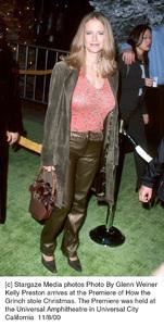 "Kelly Preston""How The Grinch Stole Christmas"" Premiere, 11/8/00. © 2000 Glenn Weiner - Image 17300_0103"