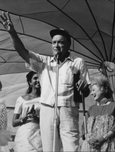 Bob Hope with Phillys Dillerduring a U.S.O. Christmas tour inSoutheast Asia1966Photo By Gerald SmithMPTV - Image 173_473