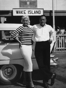 Bob Hope with Jayne Mansfield on during a U.S.O. TourWake Island1957Photo By Gerald SmithMPTV - Image 173_508