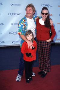 Danny Bonaduce, wife Gretchen, daughter IsabellaDesigner Garage Sale Super Saturday L.A., 11/18/00. © 2000 Scott Weiner - Image 17320_0004