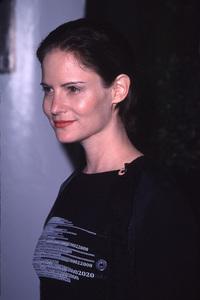 "Jennifer Jason Leigh""Divine Design Gala: 8th annual,"" 11/30/00. © 2000 Glenn Weiner - Image 17334_0013"