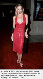 """Jennifer Gareis""""Vertical Limit"""" Premiere, 12/3/00. © 2000 Glenn Weiner - Image 17338_0105"""