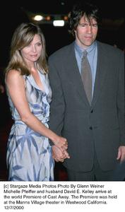 "Michelle Pfeiffer, husband David E. Kelley""Cast Away"" Premiere, 12/7/00. © 2000 Glenn Weiner - Image 17345_0113"