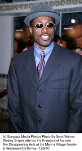 """Wesley Snipes""""Disappearing Acts"""" Premiere, 12/5/00. © 2000 Scott Weiner - Image 17346_0100"""