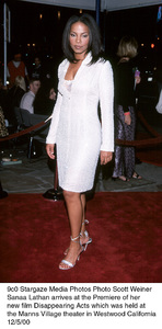 """Sanaa Lathan""""Disappearing Acts"""" Premiere, 12/5/00. © 2000 Scott Weiner - Image 17346_0102"""