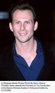 "Christian Slater""Family Man, The"" Premiere, 12/12/00. © 2000 Glenn Weiner - Image 17355_0101"