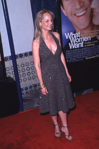 """Helen Hunt""""What Women Want"""" Premiere, 12/13/00. © 2000 Scott Weiner - Image 17357_0004"""