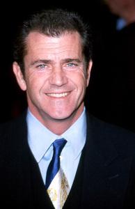 "Mel Gibson""What Women Want"" Premiere, 12/13/00. © 2000 Glenn Weiner - Image 17357_0103"