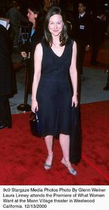"Laura Linney""What Women Want"" Premiere, 12/13/00. © 2000 Glenn Weiner - Image 17357_0108"