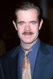 "William H. Macy""State And Main"" Premiere, 12/18/00. © 2000 Scott Weiner - Image 17394_0100"