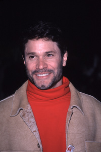 "Peter Reckell""Hollywood Christmas Parade: 2000,"" 11/26/00. © 2000 Glenn Weiner - Image 17408_0011"