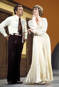 """The Julie Andrews Hour""Ken Berry, Julie Andrews1972** H.L. - Image 17461_0013"