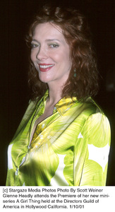 """Kate Capshawat the """"A Girl Thing"""" Premiere, 1/10/01. © 2001 Scott Weiner - Image 17543_0108"""