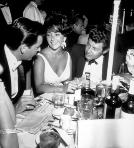 """""""Academy Awards: 32nd Annual""""Robert Wagner, Elizabeth Taylor and Eddie Fisher1960 © 1978 David SuttonMPTV - Image 1757_0024"""