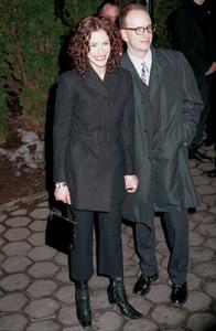 Julia Roberts, and date.Film Critics Awards: 2001 © 2001 Ariel Ramerez - Image 17574_0119
