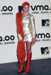 EveMTV Video Music Awards: 2000 © 2000 Ariel Ramerez - Image 17591_0105