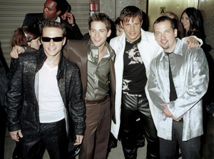 98 Degrees (Drew Lachey, Jeff Timons, Nick Lachey, Justin Jeffre)MTV Video Music Awards: 2000 © 2000 Ariel Ramerez - Image 17591_0139