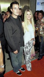 Carson Daly, Tara ReidMTV Video Music Awards: 2000 © 2000 Ariel Ramerez - Image 17591_0142
