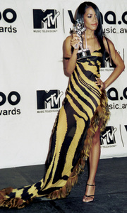 AaliyahMTV Video Music Awards: 2000 © 2000 Ariel Ramerez - Image 17591_0155
