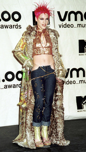 PinkMTV Video Music Awards: 2000 © 2000 Ariel Ramerez - Image 17591_0194