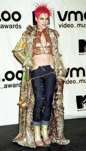 PinkMTV Video Music Awards: 2000 © 2000 Ariel Ramerez - Image 17591_0194