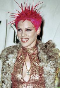 PinkMTV Video Music Awards: 2000 © 2000 Ariel Ramerez - Image 17591_0195