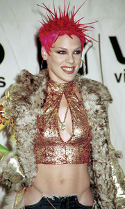 PinkMTV Video Music Awards: 2000 © 2000 Ariel Ramerez - Image 17591_0196